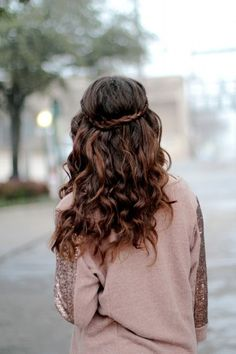 boho hair. Cute for bridesmaid hair