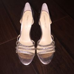 Rose gold Ivanka trump special occasion shoes Wore these for a wedding 1x and sadly have no more use for them. They were surprisingly very comfortable and the perfect shoe for a blush dress. Ivanka Trump Shoes Heels
