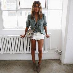 julie-sarinana-street-style-short-e-camisa