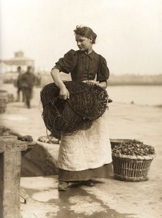 """She's so pretty! """"Fetching in the Lines - Lizzie Alice Hawksfield - Whitby - North Yorkshire - England - Late Antique Photos, Vintage Photographs, Vintage Love, Vintage Images, Vintage Ladies, Old Pictures, Old Photos, Old Photography, Fashion Photography"""