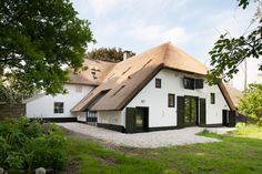 Restauratie monumentale T-boerderij Kerk-Avezaath { Bouwbedrijf Van der Helden…