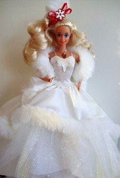 Happy Holidays Barbie 1989.............LOVE THIS GOWN!!!!!!!!!!!!!!!!!!!!!!!!!!!!!!!!!!!!!!!!!!!!!!!!!!!!!!!!!!!!!!!!!!!!!!!!!!!!!!!!!!!!!!!!!!!!!!!!!!!
