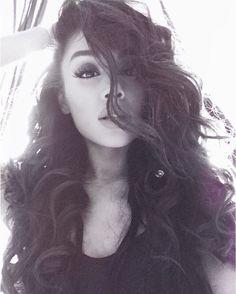 ♡ @αgmymoonlight ♡ OMG SHE IS SO BEAUTIFUL AND GORGEOUS SHE JUST KILLED ME WITH THOSE CURLS OMG!!!//also 2 days till DW!
