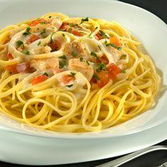 Bavette ao Molho Cremoso com Cação Grano Duro Adria é uma receita saborosa e irresistível, que fica espetacular quando feito com os produtos Adria! Saiba como preparar!