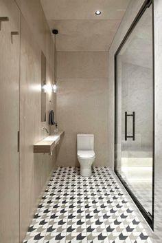 Bad Toilette Fliesenboden Spiegel Klein Waschbecken #interiordesign