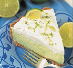 This page contains key lime pie recipes. Key lime pie is a classic summer treat and great way to use up surplus lime. Whether you are lucky enough to have lime tree in your backyard or have to buy them from the store, here are some recipes for you. Just Desserts, No Bake Desserts, Dessert Recipes, Easy Pie Recipes, Sweet Recipes, Summer Recipes, Authentic Key Lime Pie Recipe, Keylime Pie Recipe, No Bake Pies