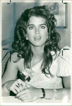 """Brooke shields as jade in franco zeffirelli's """"endless lave"""", one of her most demanding and mature role. who is your father's sports idol? or your mothers rock star? in what town did grandpa grow up? Vintage Photographs, Vintage Photos, Brooke Shields Young, Amazing Pics, Awesome, Most Beautiful People, Vogue Covers, Pretty Baby, Child Models"""