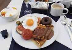 Hotel Mediterranean Palace Tenerife Review (with VIDEO) - 2019 Beautiful Hotels, Beautiful Beaches, Hotel Buffet, Luxury Rooms, Breakfast Buffet, Tenerife, Lunches And Dinners, Hotels And Resorts, Night Life