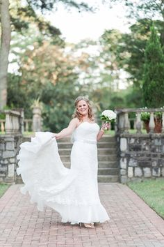 Classic Norfolk Botanical Garden Bridal Session / Tidewater and Tulle | A Virginia Wedding Blog