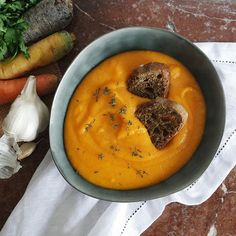 Creamy carrot & coconut milk #soup with garlic and thyme rye bread toasts Happy Sunday ⭐️