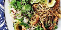 Tasty chicken and litchi salad Salad Chicken, Healthy Chicken, Easy Weekday Meals, Teriyaki Sauce, Fish Sauce, Healthy Salads, Serving Platters, Salad Recipes, Cabbage