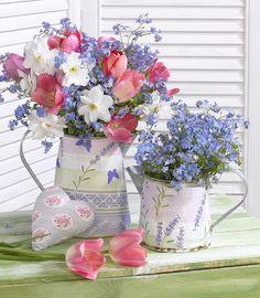 Leading Illustration & Publishing Agency based in London, New York & Marbella. Beautiful Flower Arrangements, Amazing Flowers, My Flower, Pretty Flowers, Flower Vases, Flower Art, Floral Arrangements, Flower Power, Floral Bouquets