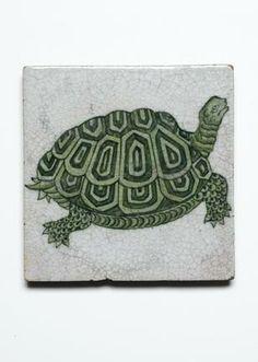 William De Morgan, circa 1885 'Turtle' a Tile