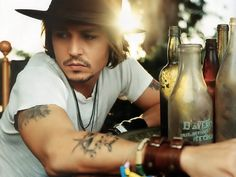Johnny Depp, always adorable in a hat!
