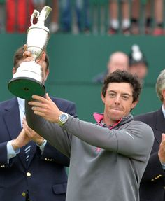 (Photo) Rory McIlroy holds the Claret Jug aloft Rory Mcllroy, Liverpool, British Open, Golf Drivers, Espn, Hold On, Lettering, Fresh Meat, Golfers