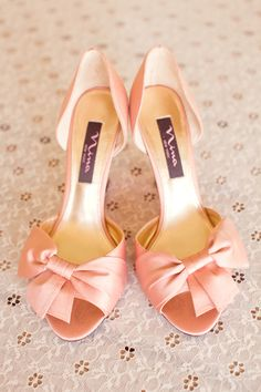 Pink bow shoes by Nina.