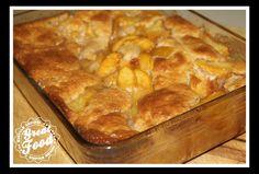 Peach Cobbler Recipe Desserts with peach slices, lemon juice, cinnamon, nutmeg… Peach Cobbler Crust, Good Peach Cobbler Recipe, Best Peach Cobbler, Southern Peach Cobbler, Pie Dessert, Dessert Recipes, Desserts, Yummy Treats, Sweet Treats