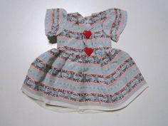 Schoene-alte-Puppenkleidung-Buntes-Kleid-aus-Seide