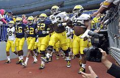 2012 Spring Game...here come the seniors...Floyd, Robinson, Roundtree, Barnum, Campbell and Demens