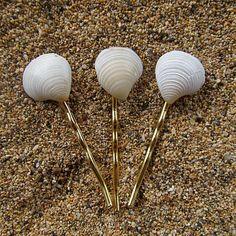 horquillas con conchas de la playa, proyecto para hacer con niños! -- by HanaMauiCreations