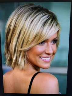 Oval Face Hairstyles, Choppy Bob Hairstyles, Haircuts For Long Hair, Straight Hairstyles, Choppy Hair, Blonde Hairstyles, Elegant Hairstyles, Easy Hairstyles, Medium Layered Hair