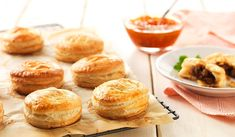 These Mini Lamb Pies add a sophisticated, yet easy, touch! Sausage Rolls Puff Pastry, Puff Pastry Dough, Puff Pastry Recipes, Lamb Pie, Apple Rose Tart, Quick Easy Meals, Favorite Recipes, Baking, Easter Brunch