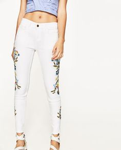 Image 2 of MID-RISE JEANS WITH SIDE FLORAL EMBROIDERY from Zara