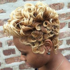 Short Hair Cuts For African American Women frisuren frauen frisuren männer hair hair styles hair women Dope Hairstyles, My Hairstyle, Black Women Hairstyles, Mixed Hairstyles, Wedding Hairstyles, Short Sassy Hair, Short Hair Cuts, Pixie Cuts, Short Pixie