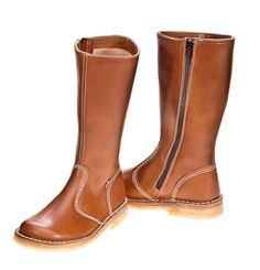 """#Duckfeet """"København"""" - Danish Design and quality by Wiema since 1975 women's boots. Some say they're a little heavy, will have to try them"""