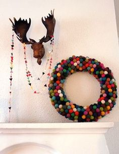DIY Felted Balls Wreath via Pickles #Christmas