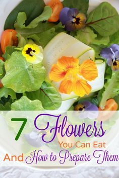 Edible Flower List - Edible Flower List -- Flowers are gorgeous! BUT did you know that you can EAT some of them? Learn about 7 flowers you can eat AND how to prepare them! List Of Edible Flowers, Eatable Flowers, Edible Plants, Edible Garden, Foods That Contain Protein, Sogetsu Ikebana, Flower Food, Beltane, Flower Pictures