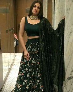Himanshi Khurana is Punjabi actress and model. The grey coloured eye girl Himasnhi is extremely beautiful, hot and sexy. Himanshi Khurana is born and Indian Attire, Indian Outfits, Indian Designer Outfits, Designer Dresses, Mahira Khan Dresses, Lehenga For Girls, Desi Wedding Dresses, Wedding Wear, Prom Dresses