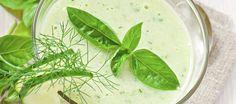 Czy zupa ogórkowa może występować jako krem? A kto powiedział, że nie? Oto przykład, jak można poddać tuningowi tradycyjny przepis...