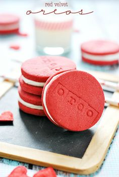 I was going to wait and post these tomorrow. But I just can't possibly hang on to them for another minute. I'm bursting at the seams to share these with you! Red Velvet Oreos. And I don't mean the soft, cake-y cookies with cream cheese filling that people like to call Oreos (although those are …