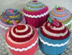 knitted cupcakes ~ one for each person!