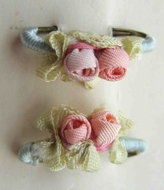 Circa 1920s Lovely Never Used Pink Ribbonwork Rosette Lingerie Pins Still On Their Original Card