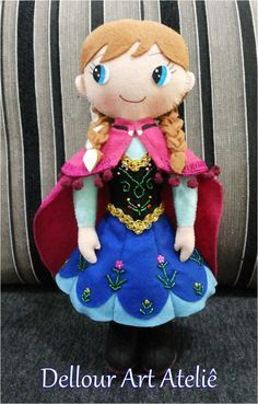 frozen em feltro - Buscar con Google Anna Frozen, Frozen Felt, Fabric Dolls, Paper Dolls, Diy Projects Handmade, Frozen Crafts, Felt Crafts Patterns, Disney Crafts, Sewing Toys