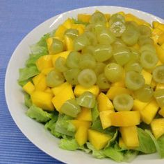 Salad with mango and grapes