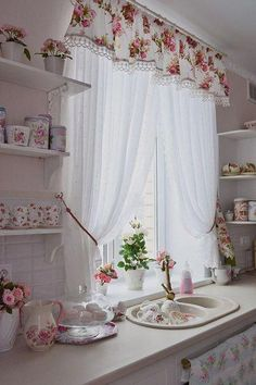7 Nice Designs of Kitchen Curtains – The Heart of Your Kitchen , Find more ideas: Shabby Chic Kitchen Curtains Vintage Kitchen Curtains Country Kitchen Curtains Kitchen Curtains With Blinds Long Rustic Kitchen Curtains , Shabby Chic Kitchen Curtains, Country Kitchen Curtains, Cocina Shabby Chic, Shabby Chic Homes, Shabby Chic Decor, Shabby Home, Vintage Curtains, Farmhouse Curtains, Rideaux Design