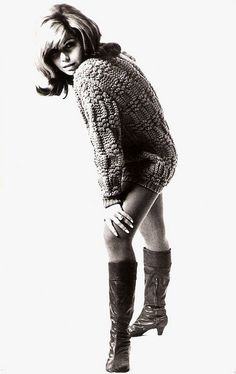 Nancy Sinatra Vintage Boots, Vintage Outfits, Retro Fashion, Vintage Fashion, Vintage Style, Nancy Sinatra, Girls Slip, Famous Girls, I Love Girls