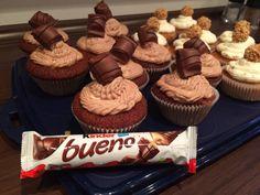 Kinder Bueno-Cupcakes, ein schönes Rezept mit Bild aus der Kategorie Backen. 17 Bewertungen: Ø 4,3. Tags: Backen, Kuchen
