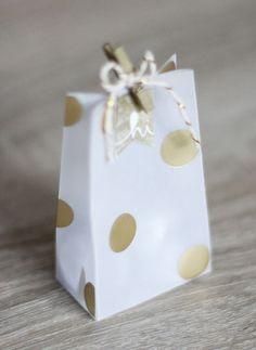 { Conibaers creative desk }: Gold & white small giftbag #stampinup
