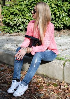 The Vogue Word | Vanessa C. - White converse, destroyed denim, and a chunky pink knit sweater