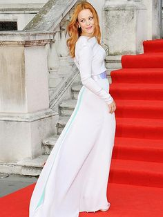 Rachel McAdams makes all the white moves at the world premiere of her new comedy-drama, About Time, at London's Somerset House. http://www.people.com/people/gallery/0,,20724259,00.html#30002342
