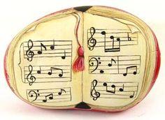 Un Libro de Música.....tutorial for painting this rock!