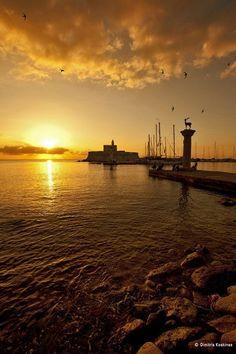 Sunrise at Rhodes / Rodos , Greece by Dimitris Koskinas Greece Vacation, Greece Travel, Greece Photography, Travel Photography, Beautiful Sunrise, Beautiful Beaches, Places To Travel, Places To Visit, Costa