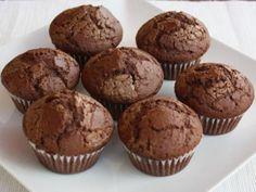 Desať receptov na najlepšie hrnčekové koláče Cheesecake Brownies, Deserts, Food And Drink, Cupcakes, Baking, Breakfast, Bread Making, Morning Coffee, Desserts
