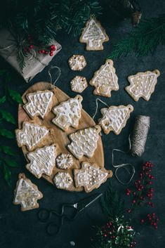 These cinnamon+citrus flavored VEGAN Christmas Tree Ornament Cookies add a beautiful, edible touch to your holiday tree! Best Dessert Recipes, Vegan Desserts, Fun Desserts, Sweet Recipes, Delicious Desserts, Holiday Desserts, Amazing Recipes, Cookie Recipes, Vegan Recipes