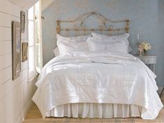 Shabby Chic bedroom.