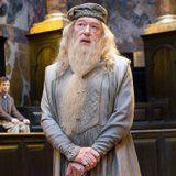 https://i.pinimg.com/236x/1b/86/4f/1b864f6efa7cd48ac3c29ff9de9c96a9--albus-dumbledore-fantastic-beasts.jpg